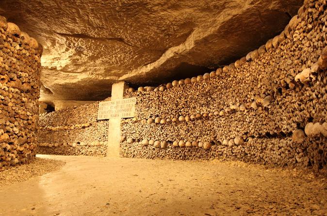 small-group-paris-catacombs-tour-in-paris-147943.jpg